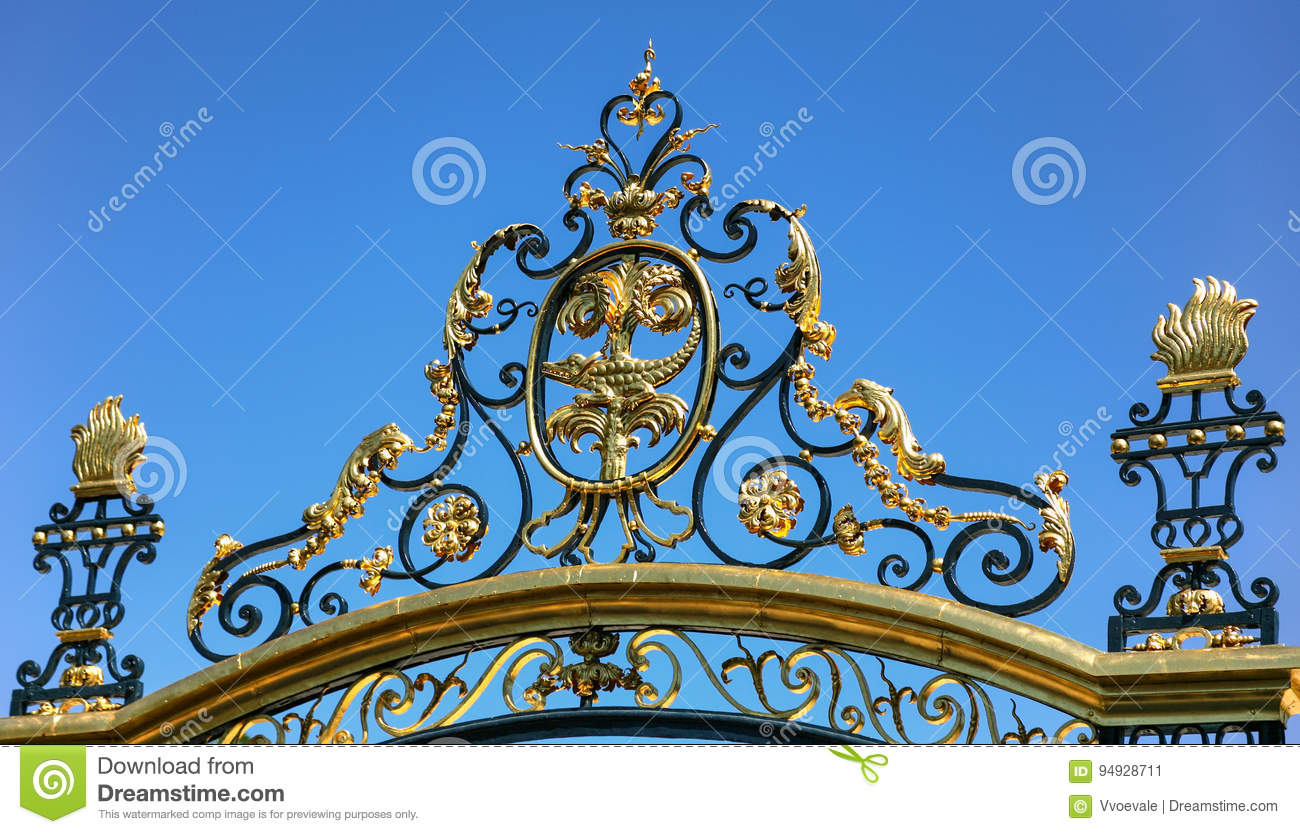 Decoration Nimes Gate Of Jardins De La Fontaine In Nimes City Stock Image Image