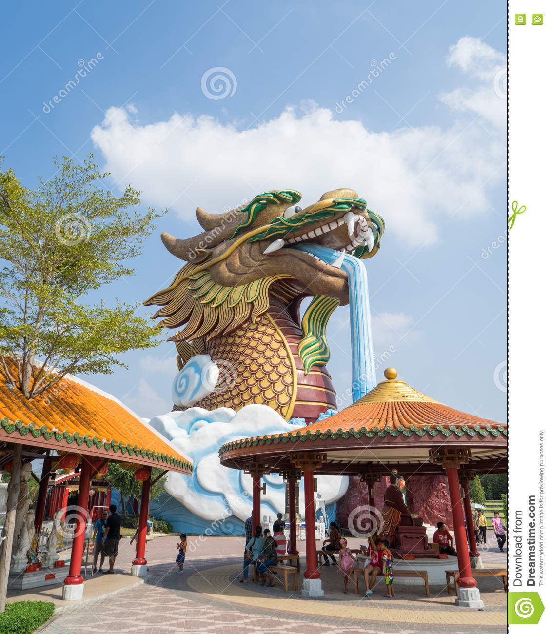 Giant Dragon Statue Giant Dragon Statue Editorial Photography Image Of Park