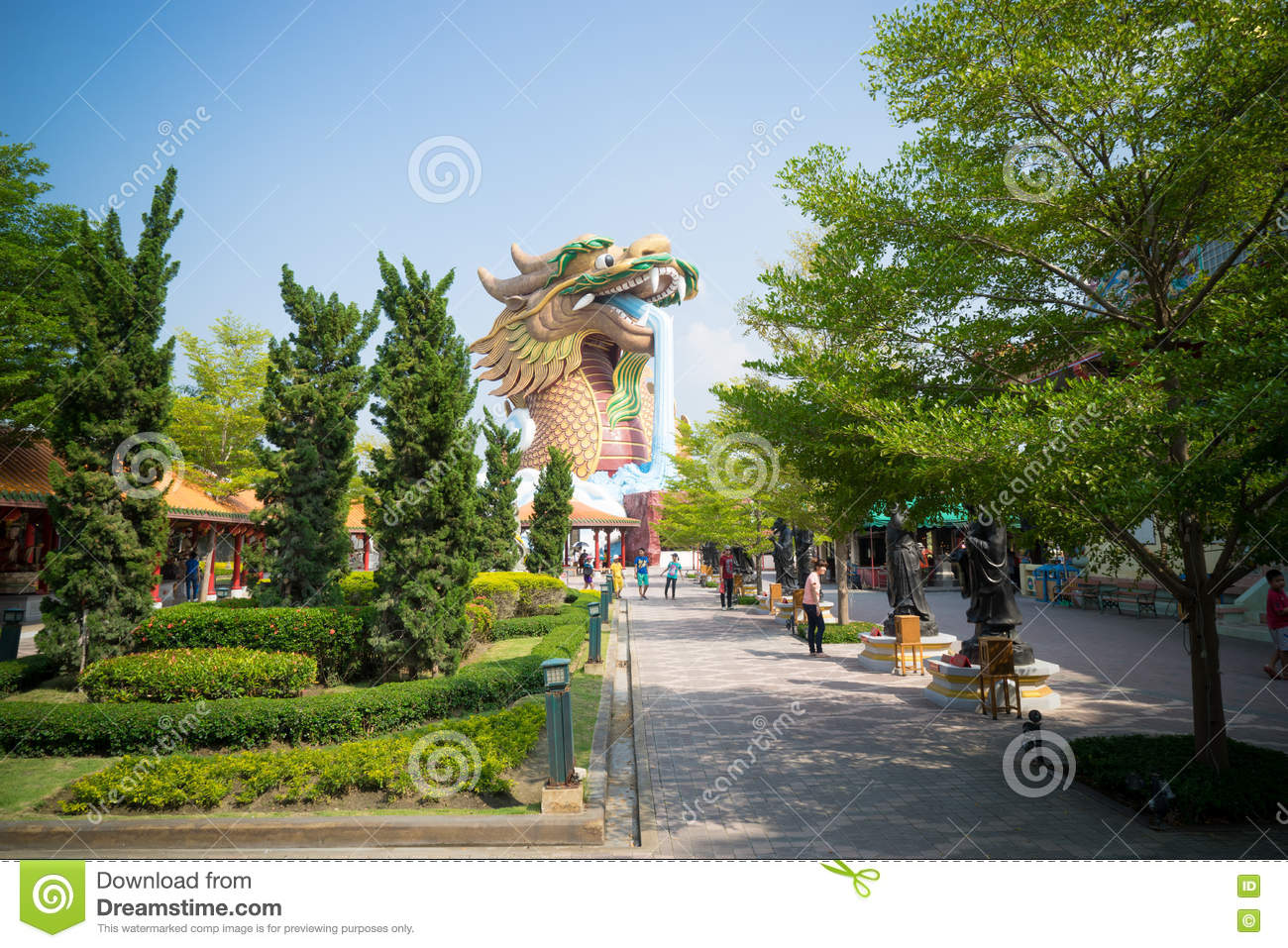 Giant Dragon Statue Giant Dragon Statue Editorial Stock Photo Image Of