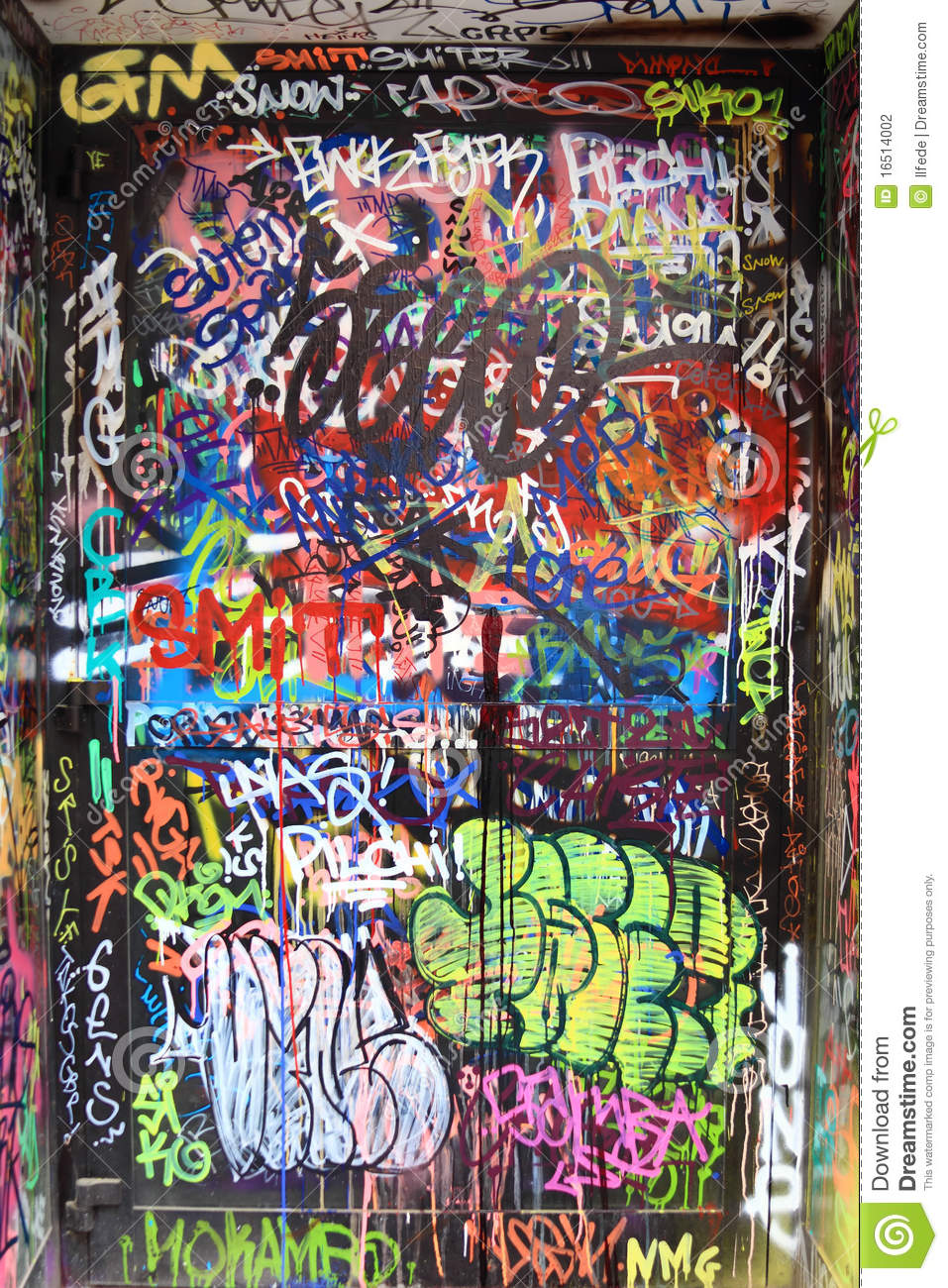 3d Door Wallpaper Graffiti On A Door Stock Photo Image Of Airbrush Grunge