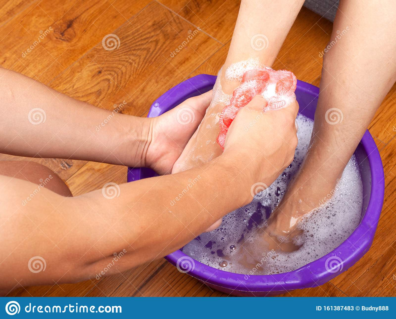 The Guy In The Spa Salon Made The Girl A Warm Foot Bath And Washes Her Feet With Natural And Fragrant Soap Aromatherapy For Legs Stock Image Image Of Pedicure Lifestyle 161387483