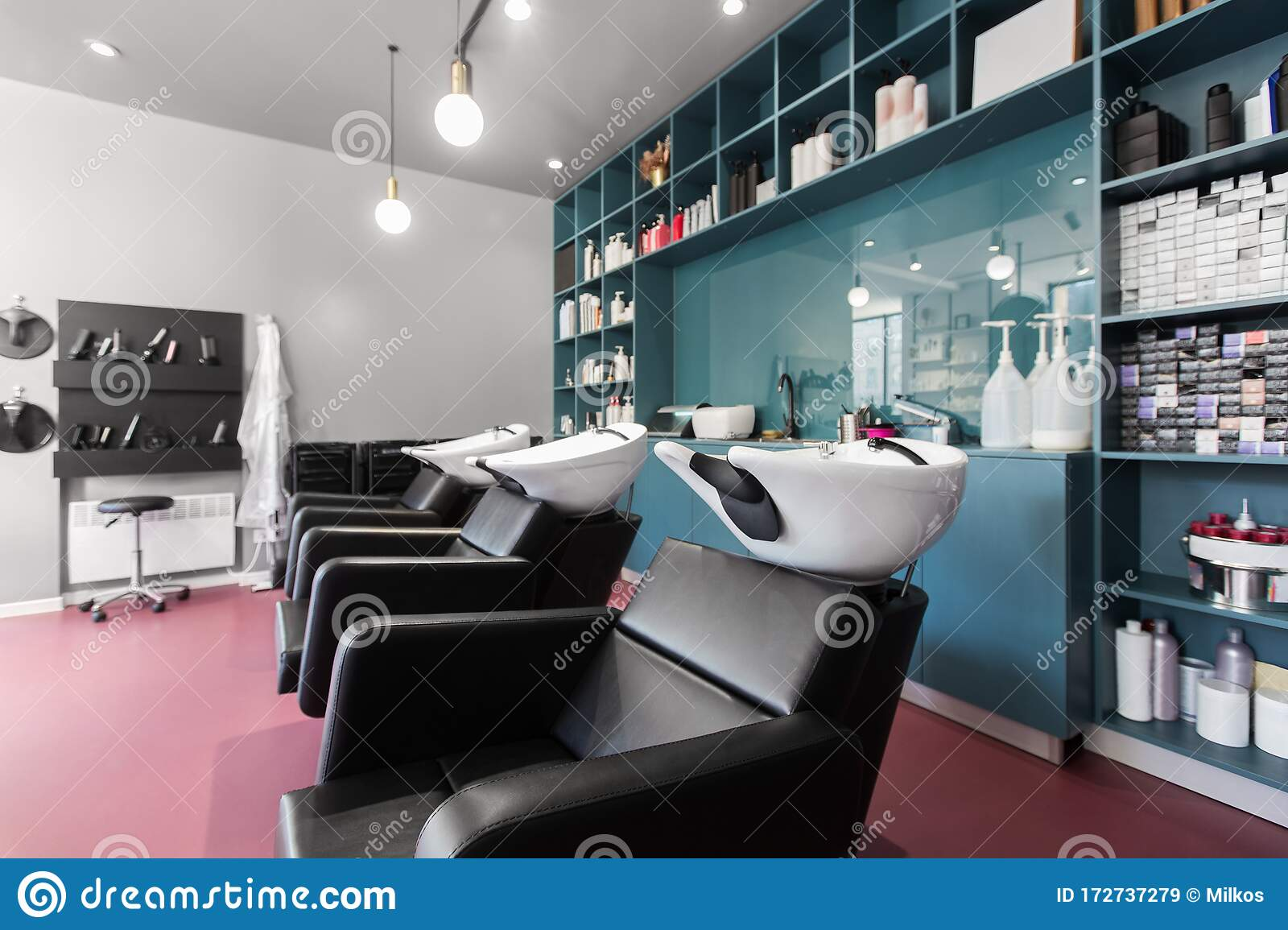 646 Hairdresser Brand Photos Free Royalty Free Stock Photos From Dreamstime