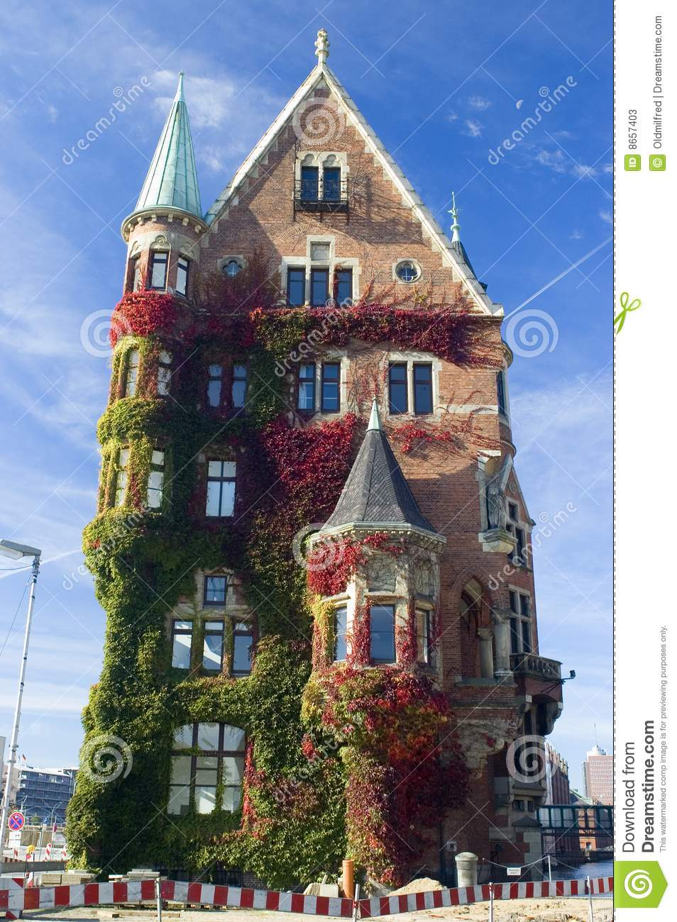 Haus Verkaufen Deutschland Hamburg Historic House In Fall Stock Image Image Of Blue House