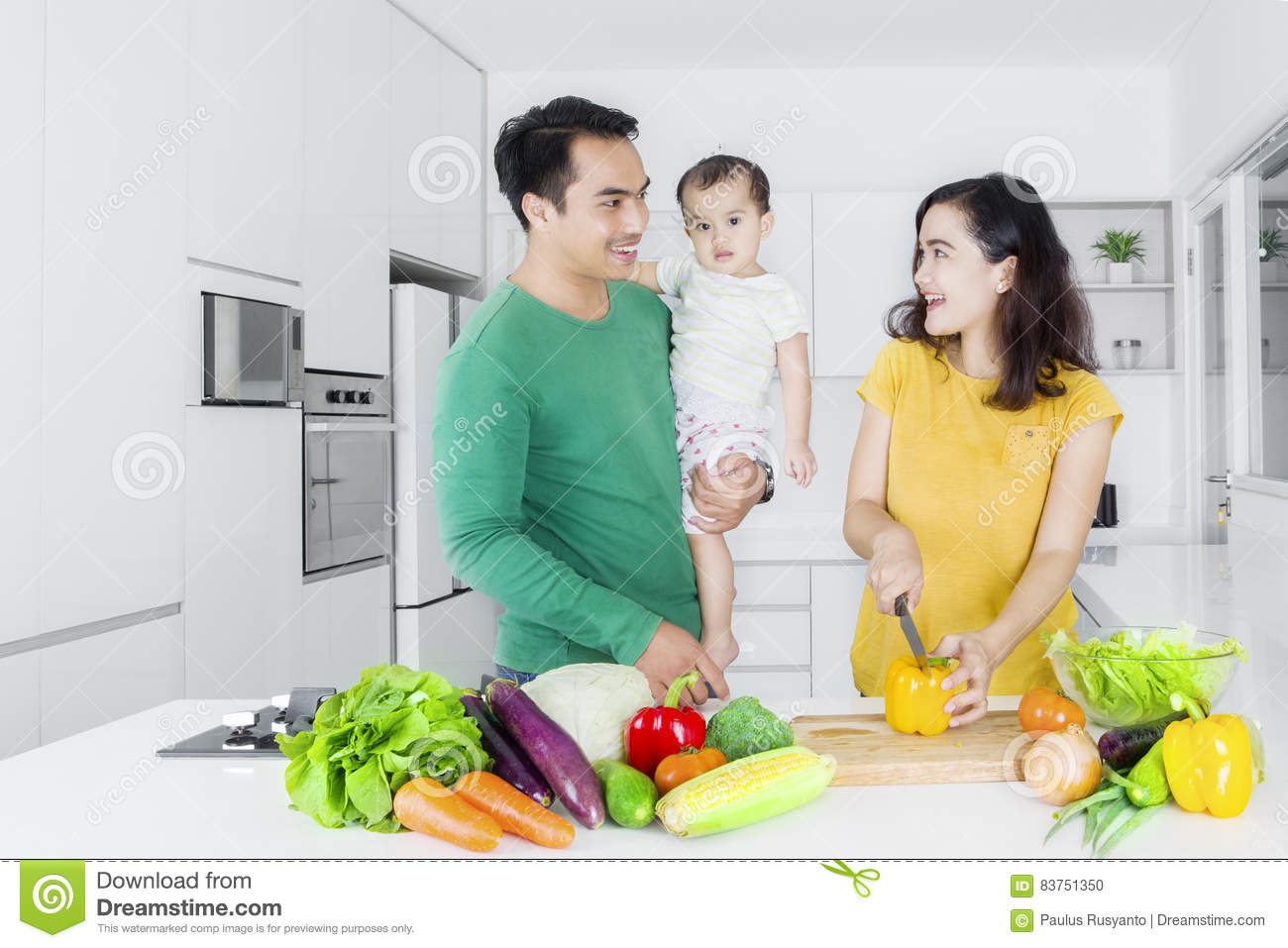 Family cooking kitchen -  Family Cooking In The Kitchen Download