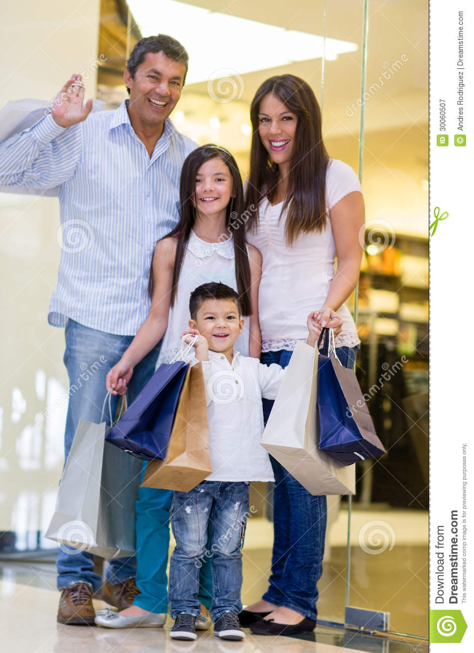 Vacation Couple Blog Happy Family Shopping Stock Image Image Of Retail