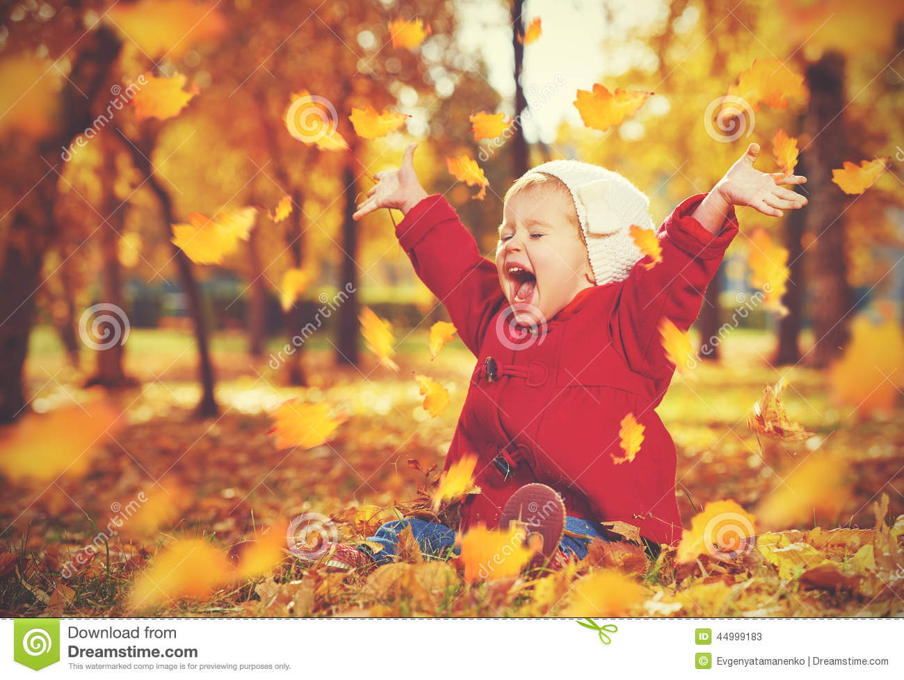 Cute Smiling Babies Wallpapers Happy Little Child Baby Girl Laughing And Playing In