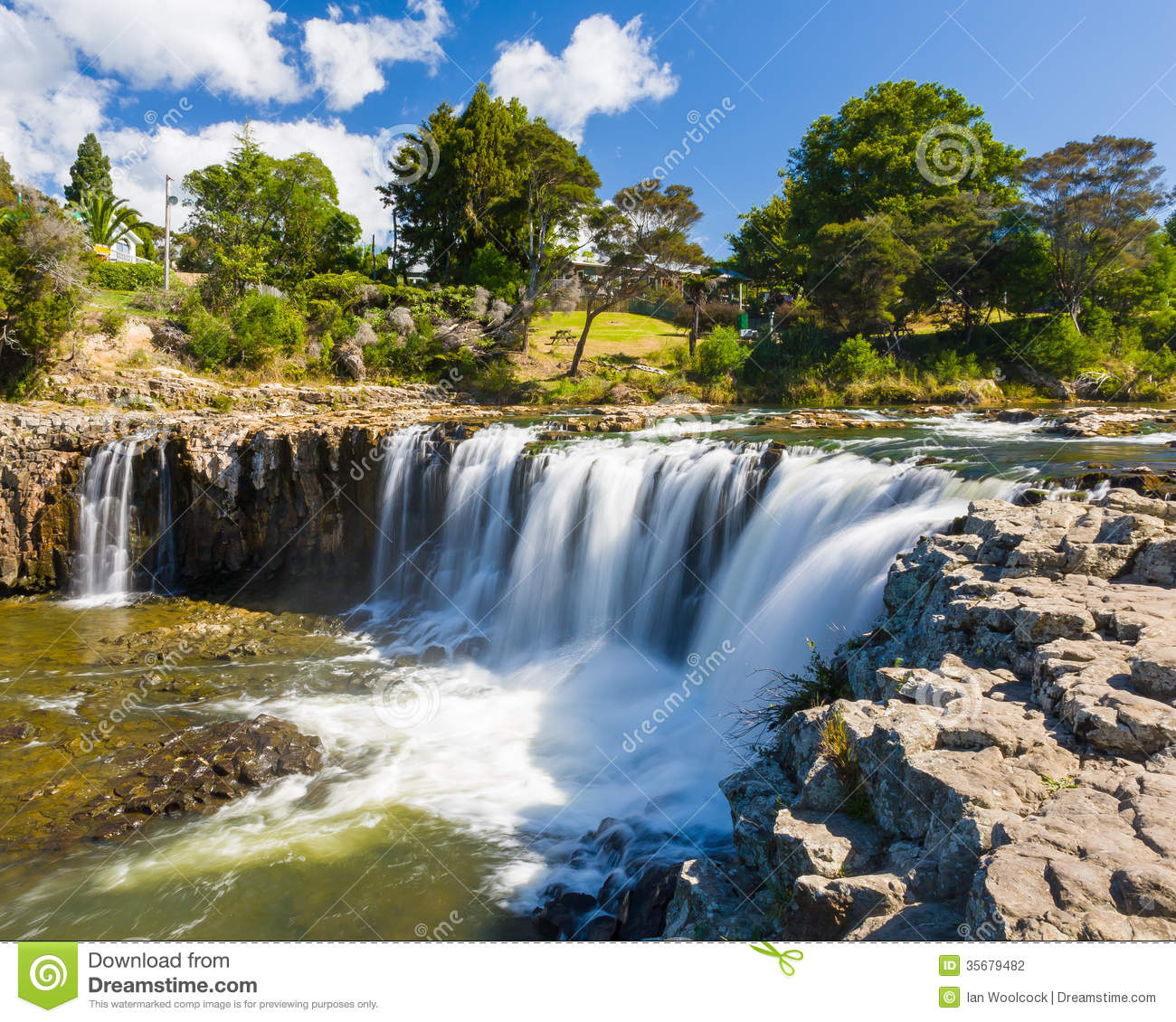 Calendar New Zealand Time Current Local Time In New Zealand Time And Date Haruru Falls Paihia Northland New Zealand Stock Photo