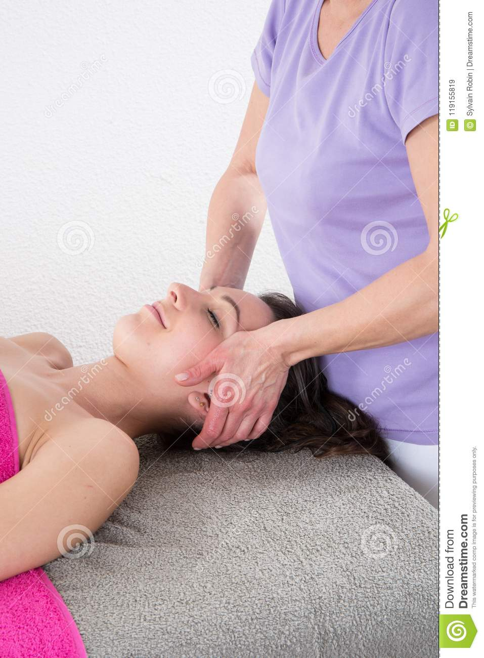 Healing Treatment Head Massage By Reiki Healing Treatment In Relaxation And