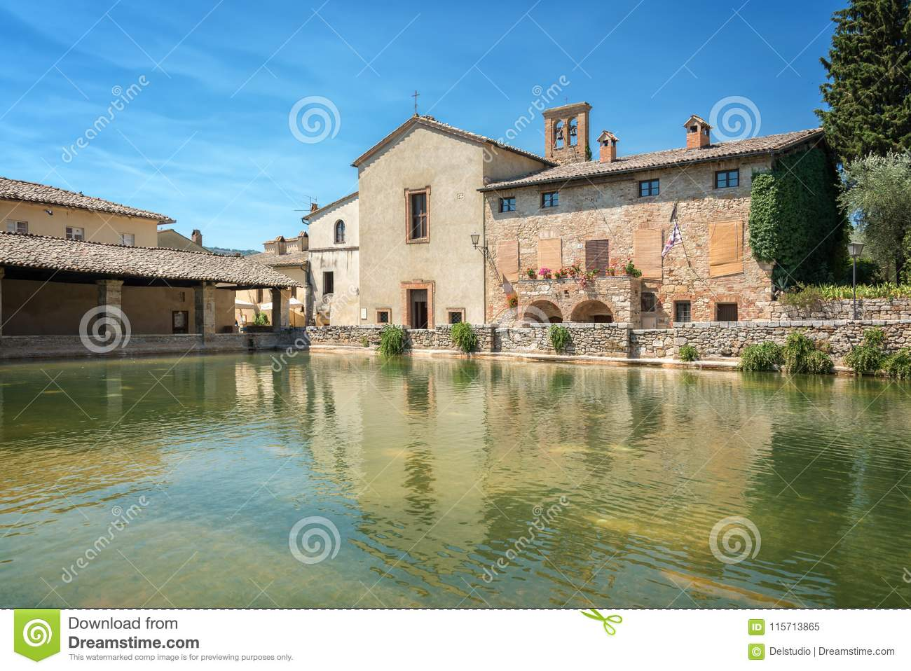 Bagno Vignoni Free Thermal Baths Hot Springs Bath In The Village Of Bagno Vignoni Tuscany Italy