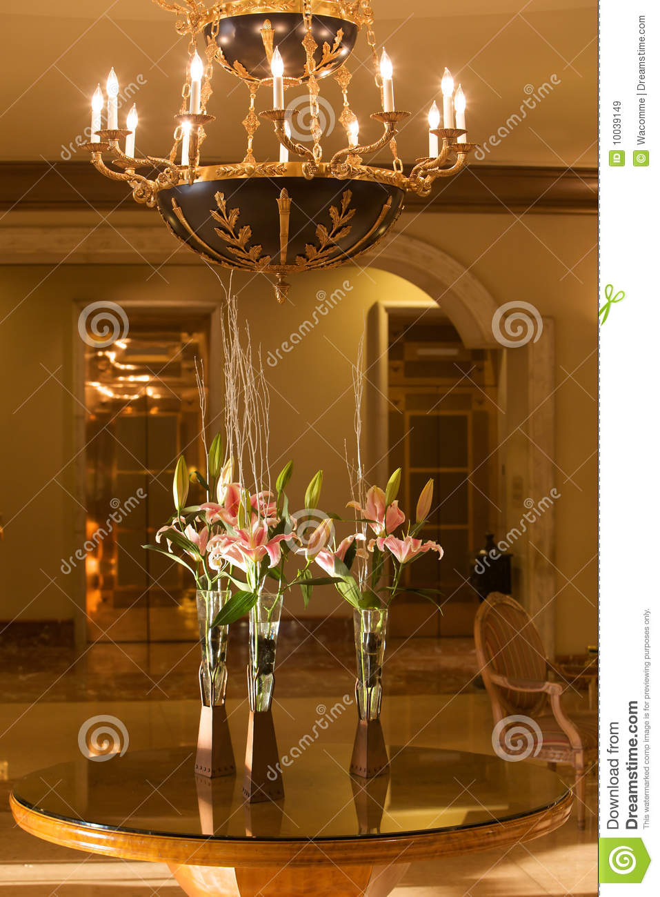 Table Tulip Hotel Lobby With Chandelier And Flowers Stock Image