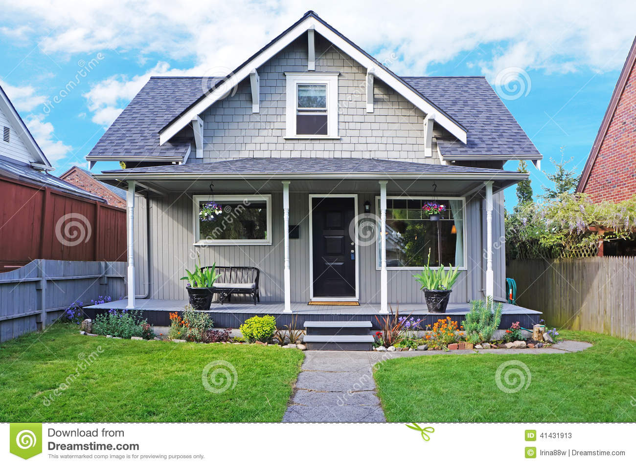 House Exterior Entrance Porch And Front Yard View Stock Image Image Of Architecture Home 41431913