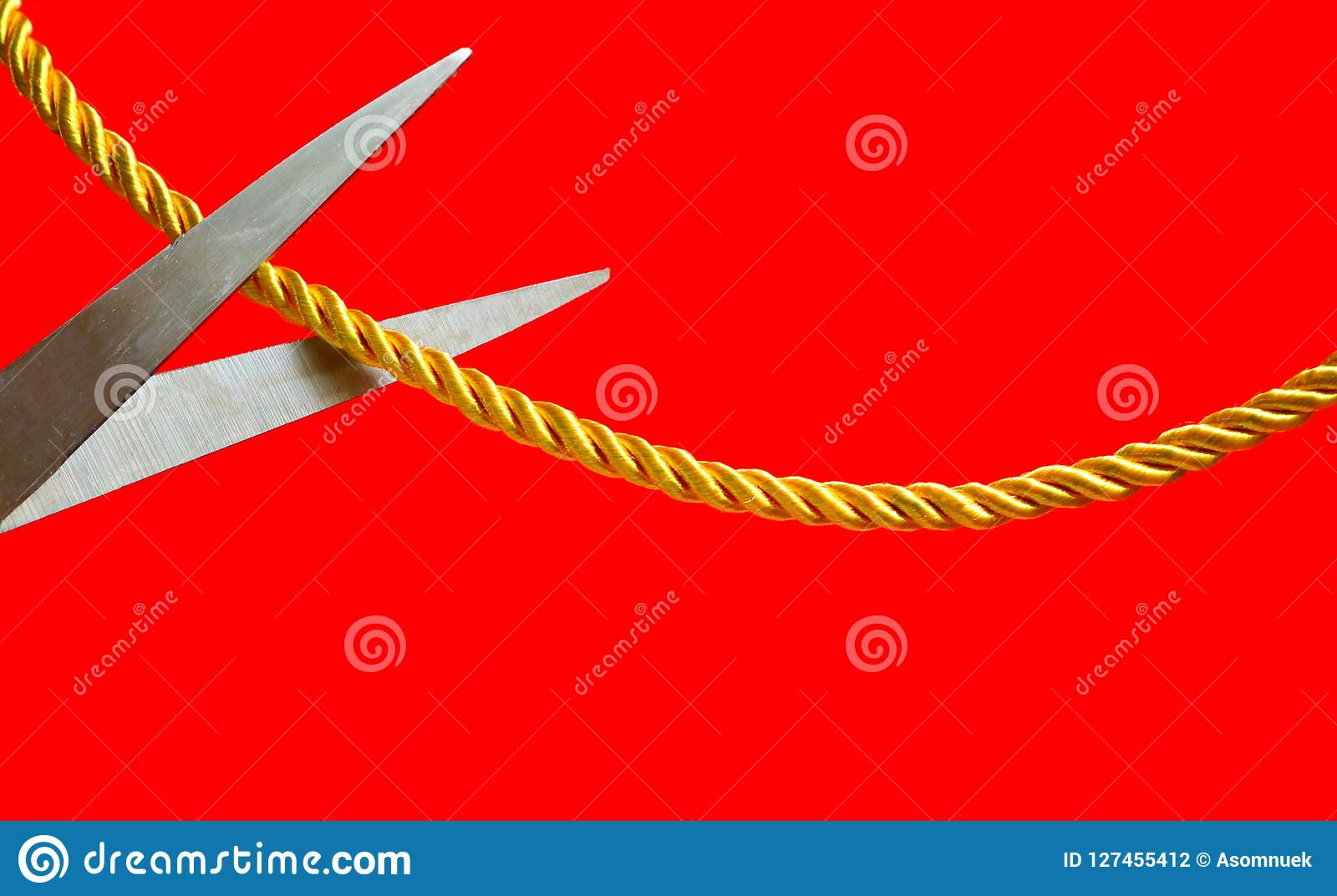 Sonnenstuhl Clipart Cut Off Relationship Stock Photo Image Of String Scissors