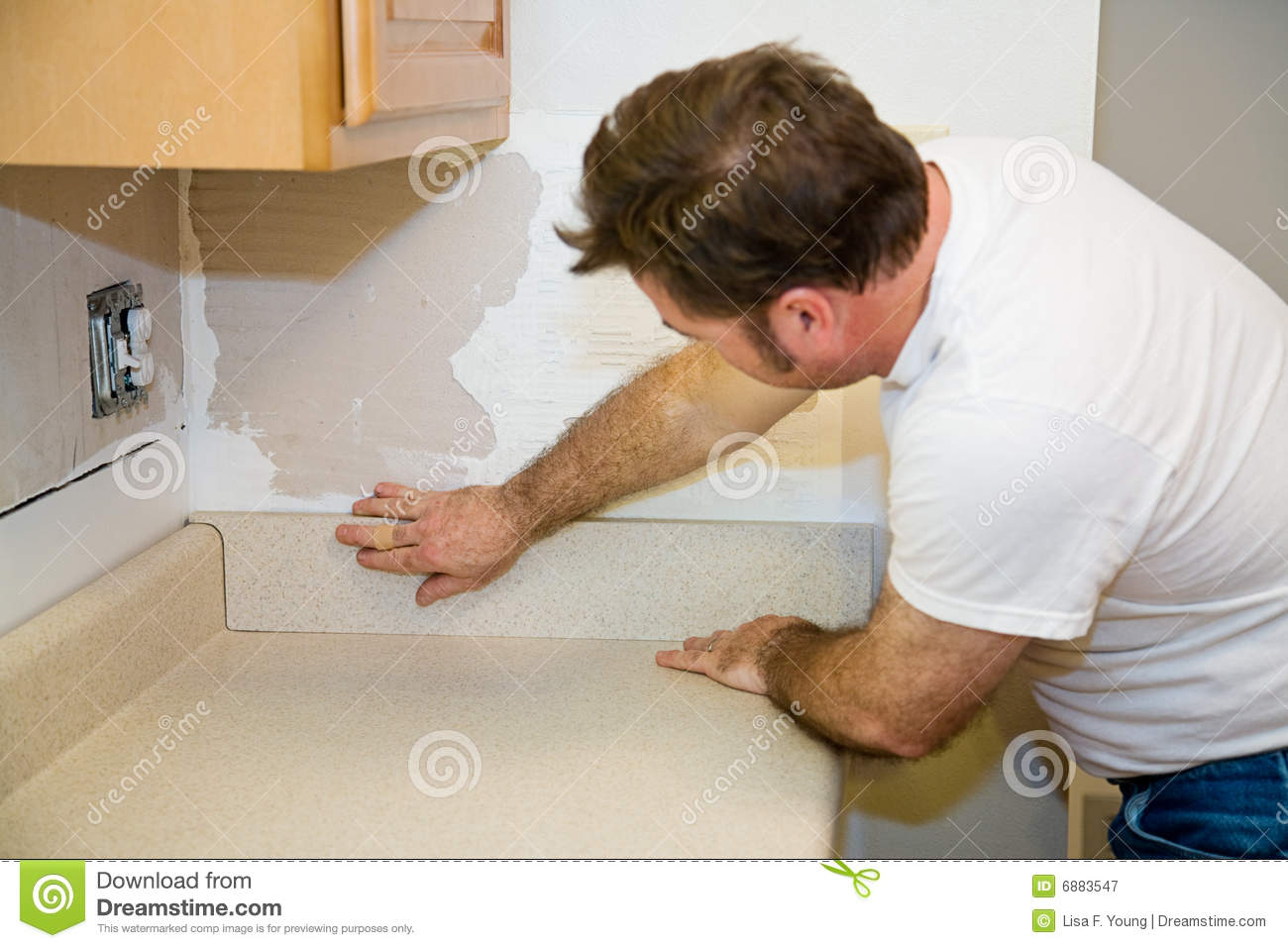 Installing A Countertop Installing Countertop Backsplash Stock Image Image Of Organized