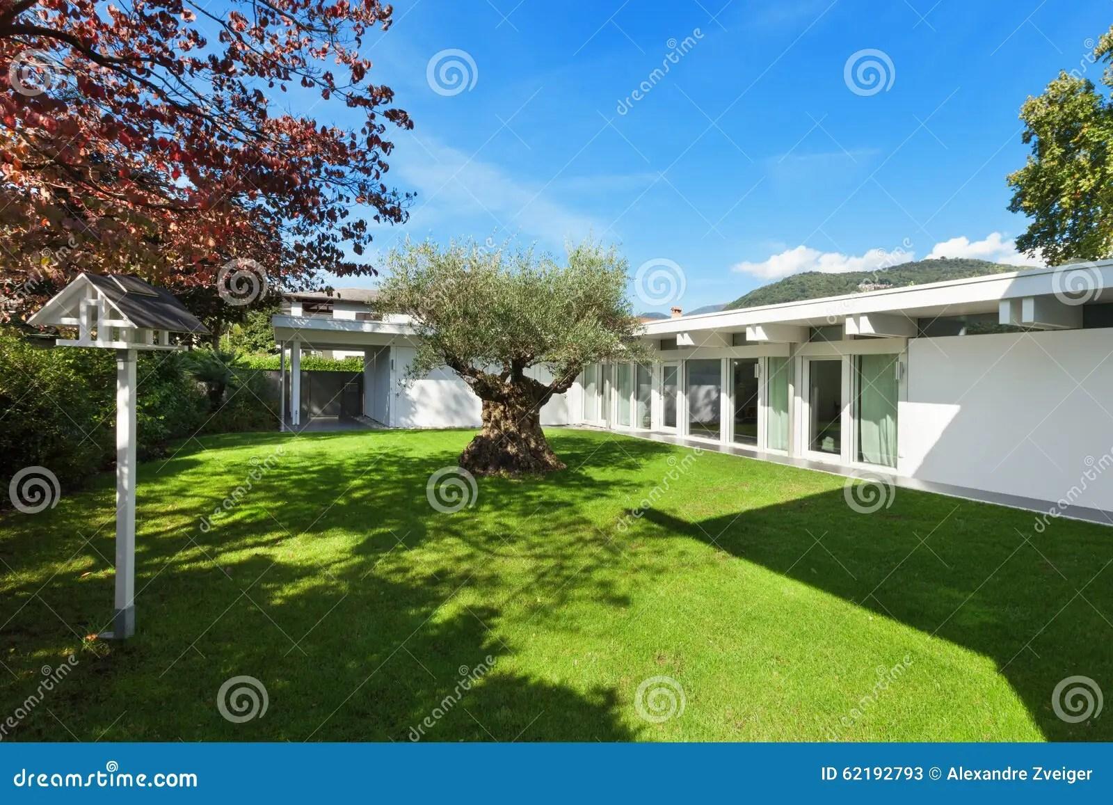 Plan Maison Moderne Avec Jardin