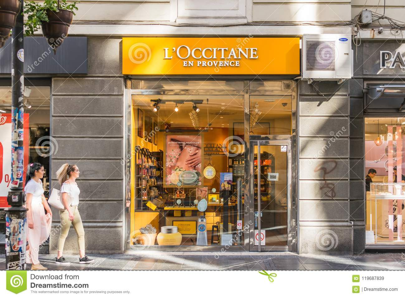 Store En Stock Loccitane En Provence Store Editorial Stock Image Image Of Care