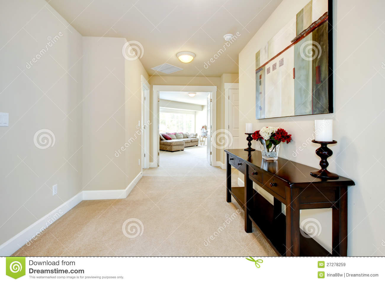 Wandgestaltung Mit Farbe Flur Large Home Hallway With Art And Furniture. Stock Image