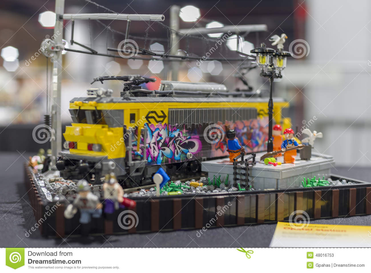 Bauanleitung Playmobil Lego Train Editorial Stock Photo - Image: 48016753