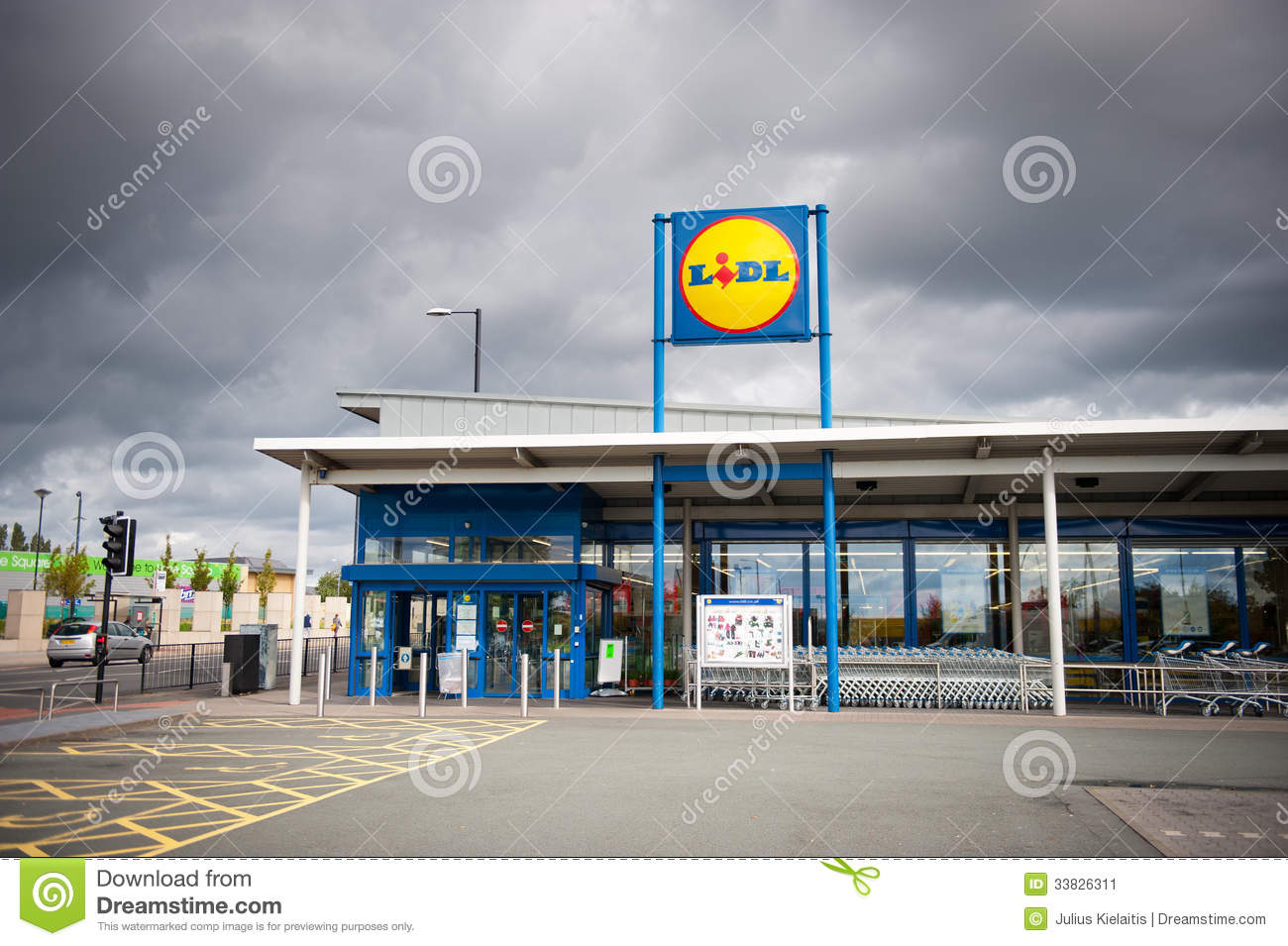 Colander Lidl Store In Manchester, Uk Editorial Photo - Image: 33826311