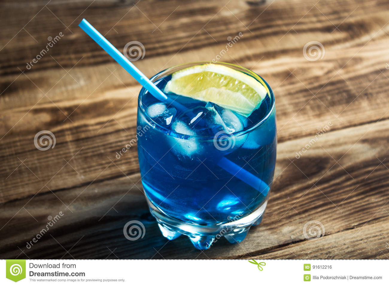 Blue Curacao Cocktail Alkoholfrei Light Blue Alcoholic Drink Curacao Liqueur Stock Photo Image Of