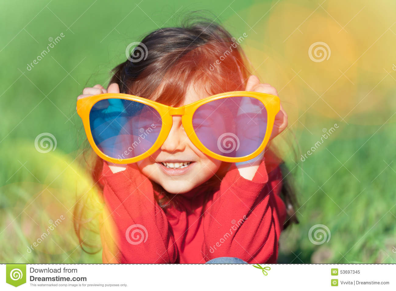Arbeitsagentur Indeed Little Girl Wearing Big Sunglasses Stock Image Image Of Fashion