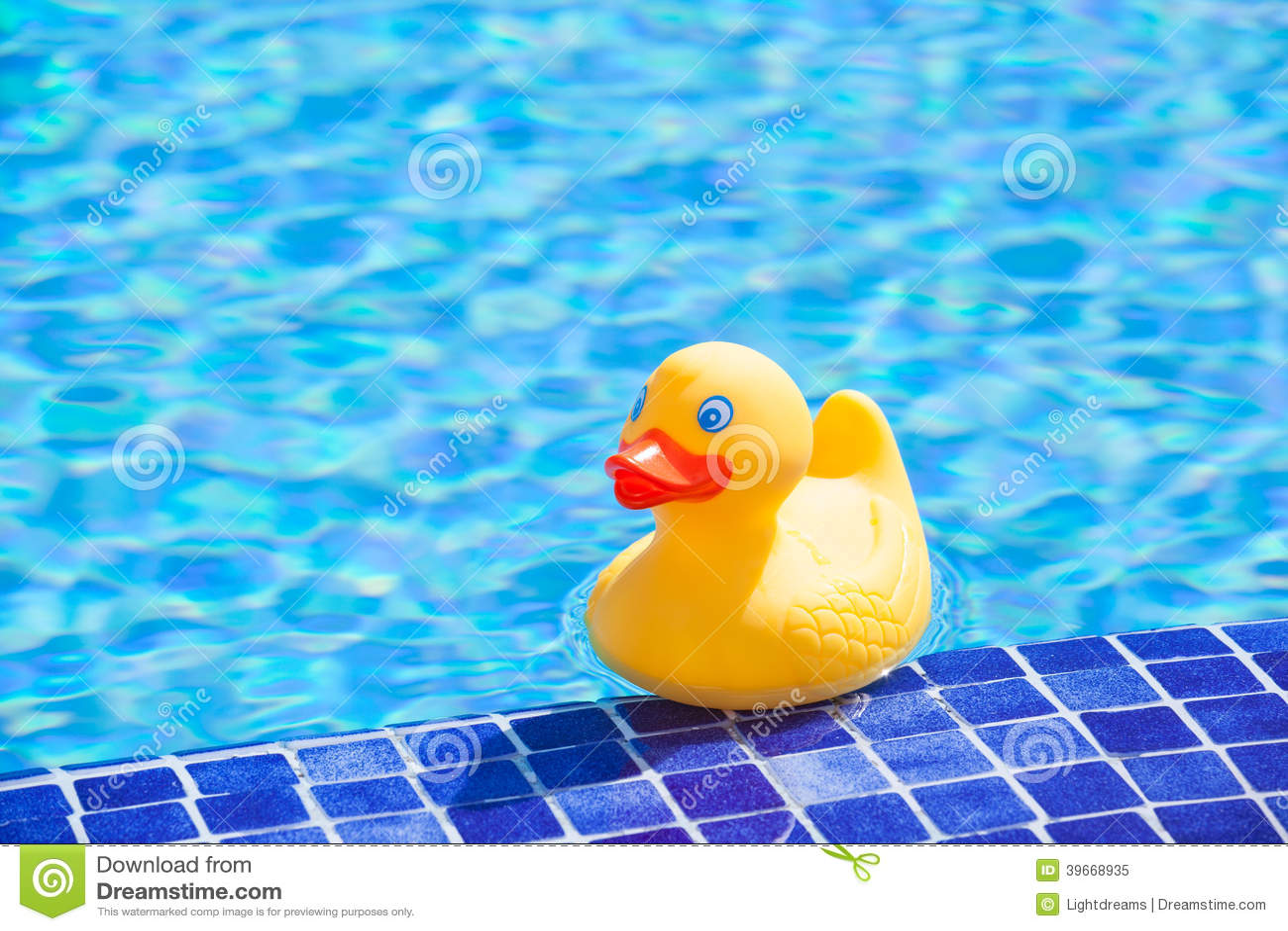 Cute Duckling Wallpaper Little Yellow Rubber Duck Stock Photo Image 39668935
