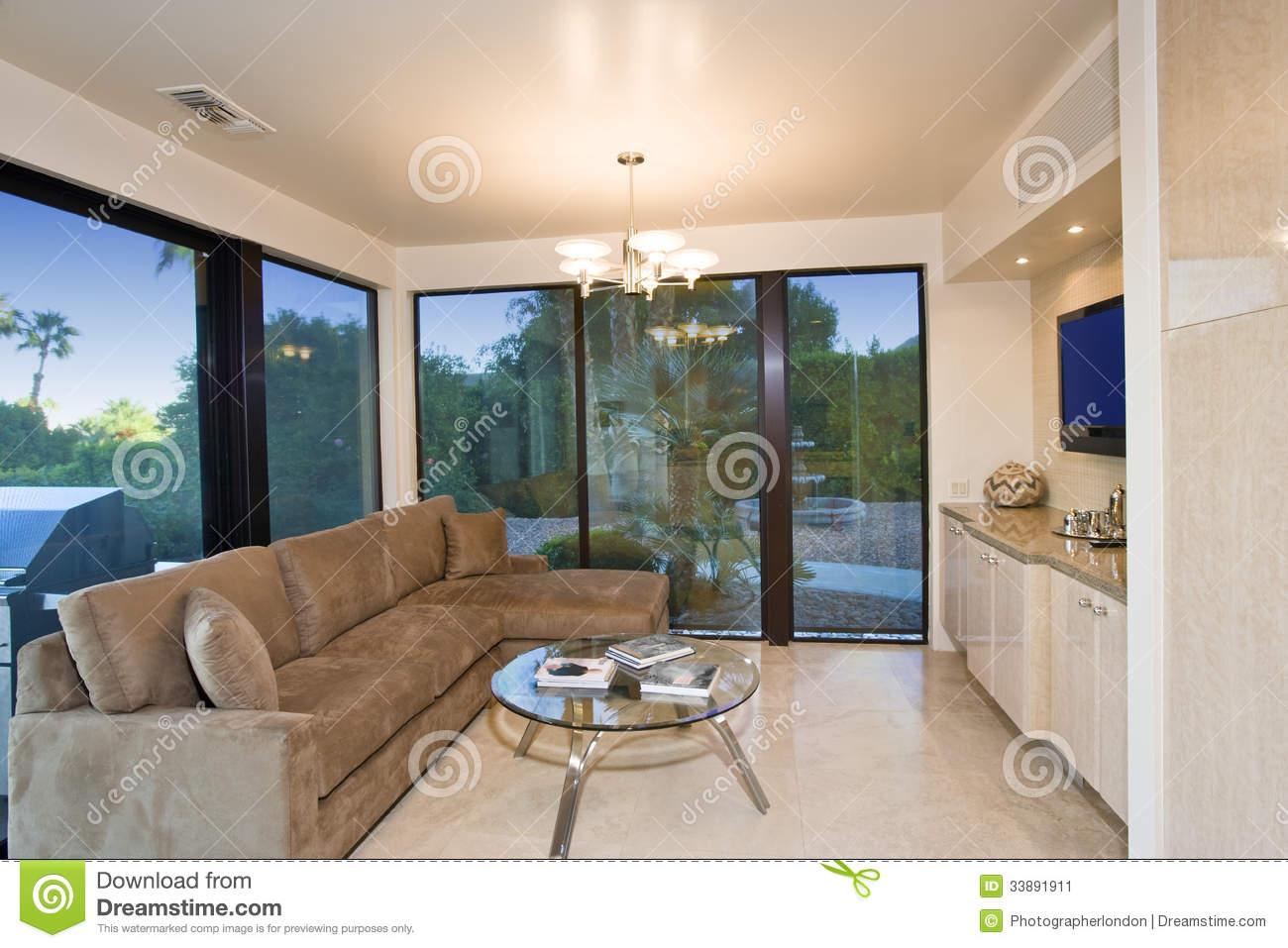 Keuken Flat Living Room With View Of Patio Stock Image - Image Of Dusk