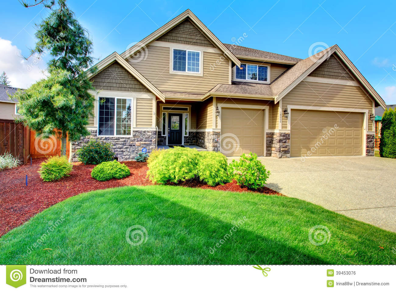 Design Your House Luxury House Ith Beautiful Curb Appeal Stock Photo Image