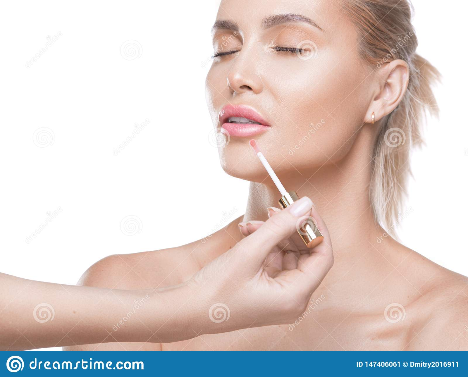 Nude Look The Making Of Nude Look For Lips. Fresh And Sparkling Lips Made By A Lip Gloss And Professional Lip Brush. The Finishing Stock Image - Image Of Brilliance, Glossy: 147406061