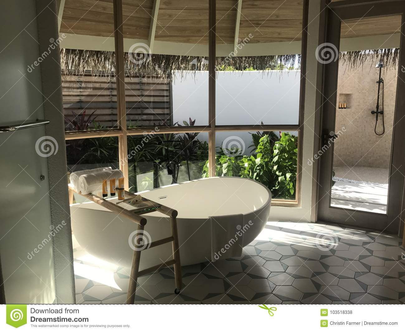 Badezimmer Spiegelschrank Landhaus Landhaus Badezimmer Stock Photos Download 1 449 Images