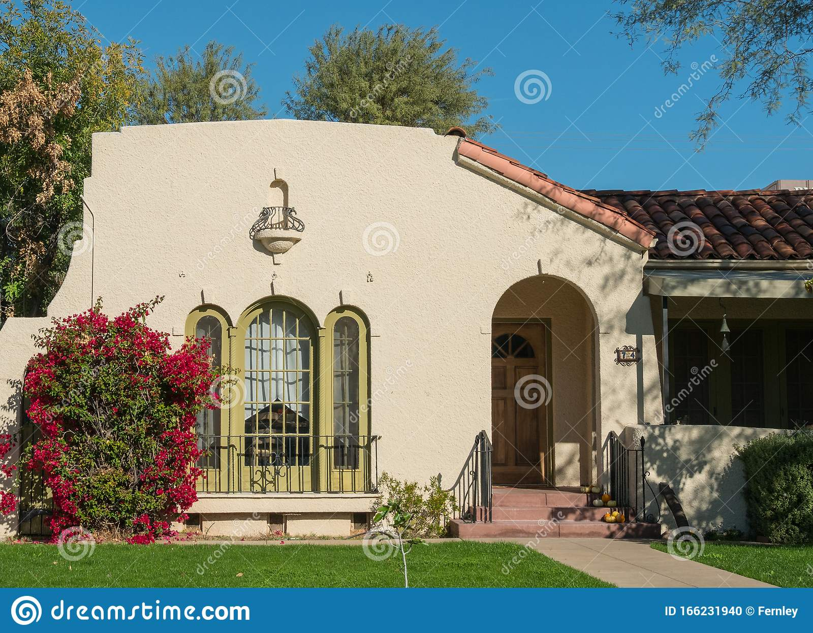 146 Spanish Bungalow Photos Free Royalty Free Stock Photos From Dreamstime