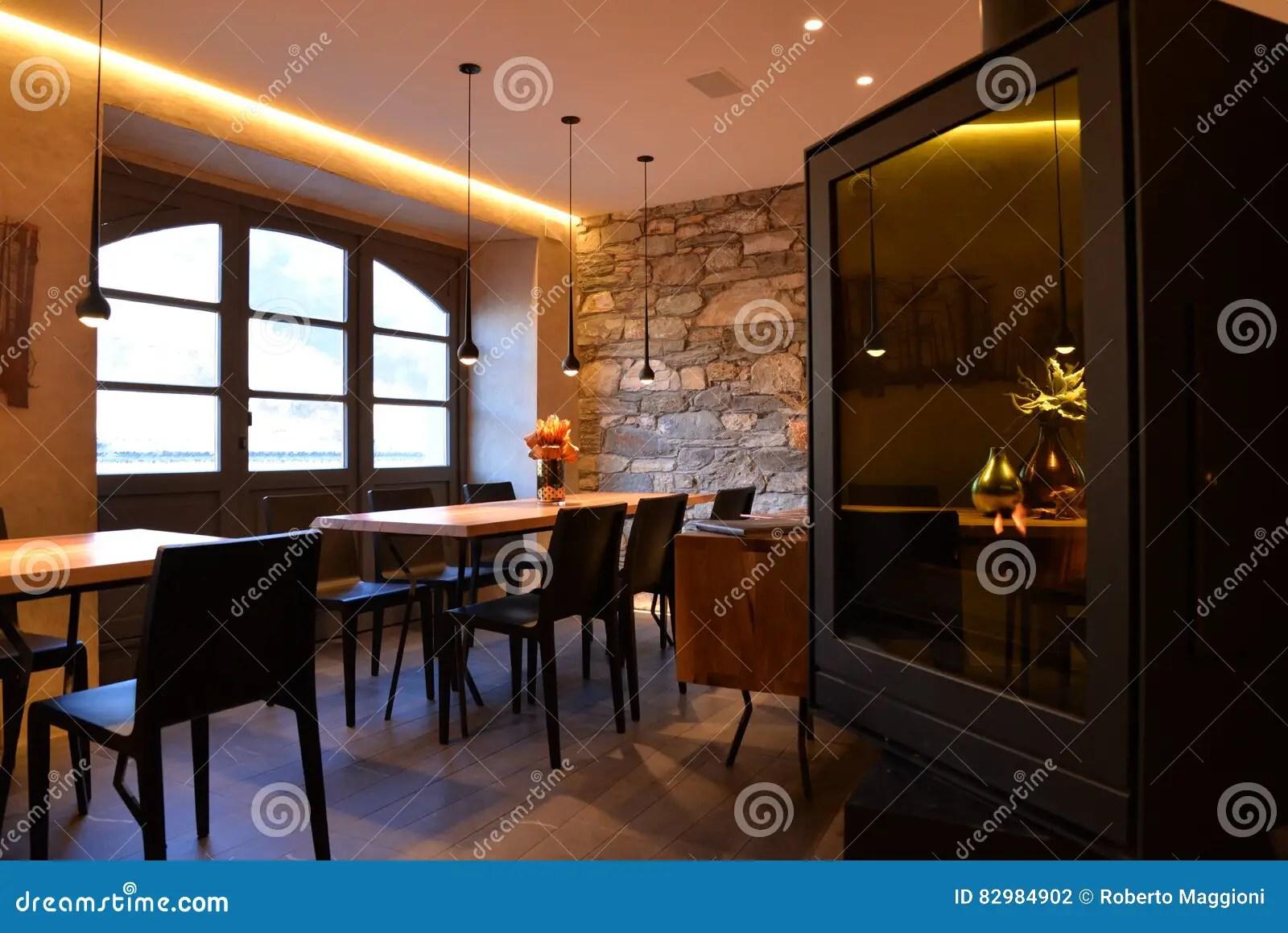 Modern Restaurant Decoration