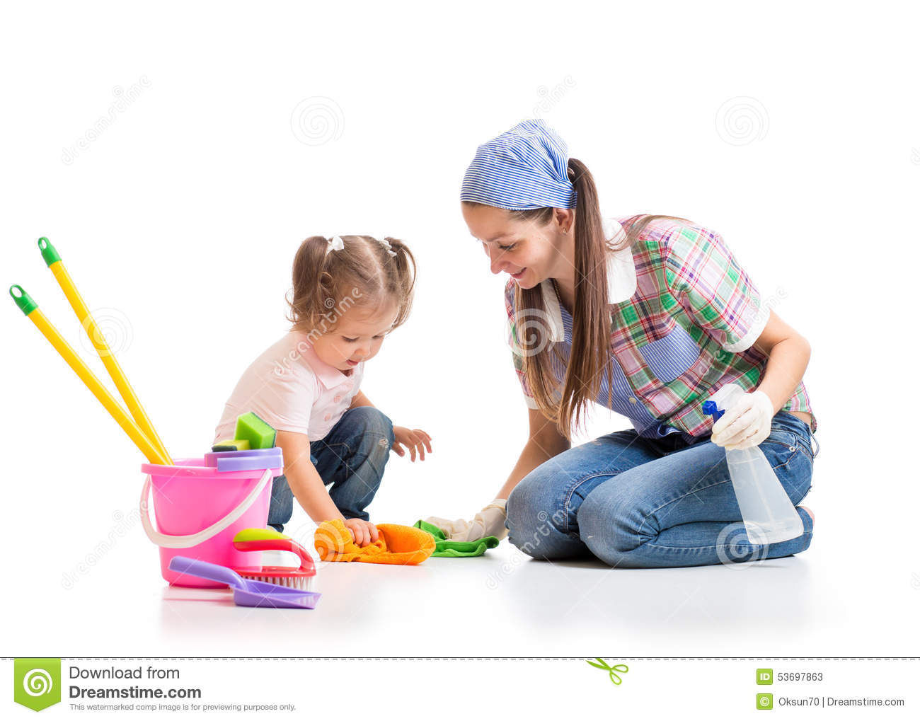 Labores Manuales Para El Hogar Mom And Daughter Cleaning House Royalty Free Stock Photo