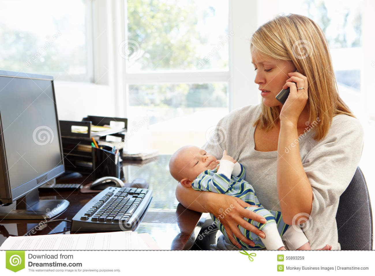 Home Office Mit Baby Mother Working In Home Office With Baby Stock Photo