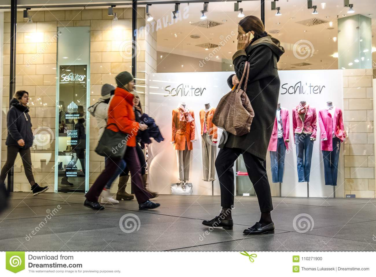 Munich Germany February 15 2018 People Shopping In The Typical German Shopping Mall Fuenf Hoefe In Munich Editorial Image Image Of Activity Commercial 110271900