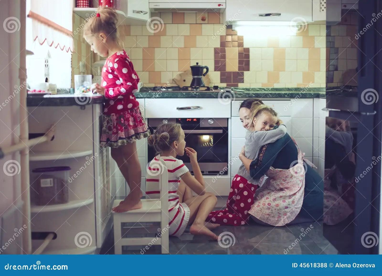 Kinder Küche Kirche | Die Drei K Kinder Kuche Kirche Jaguar Land Rover Will Ceremonially