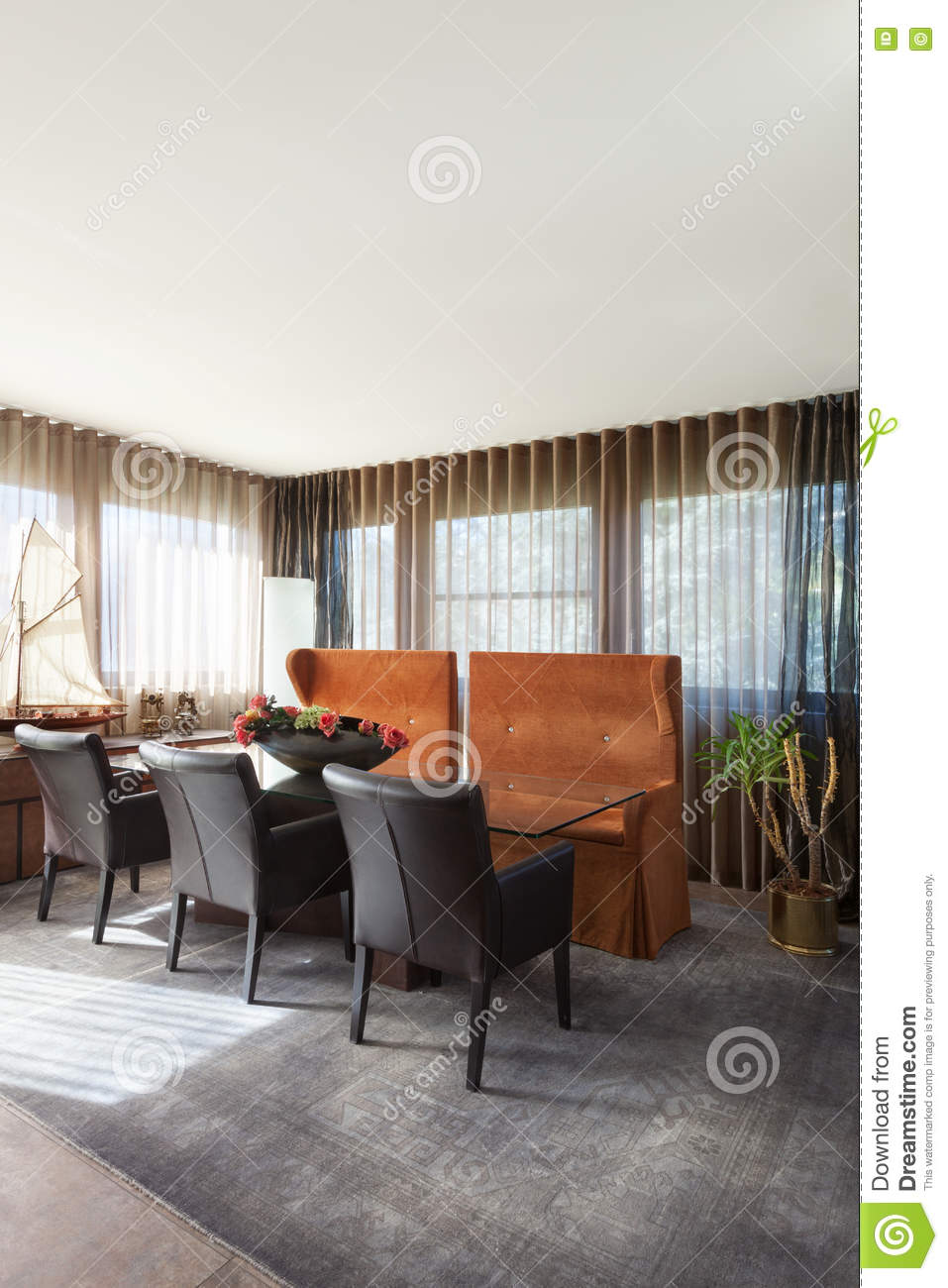 Teppich Esszimmer Esszimmer Teppich Awesome Munich Armchairs Und Munich Table Im