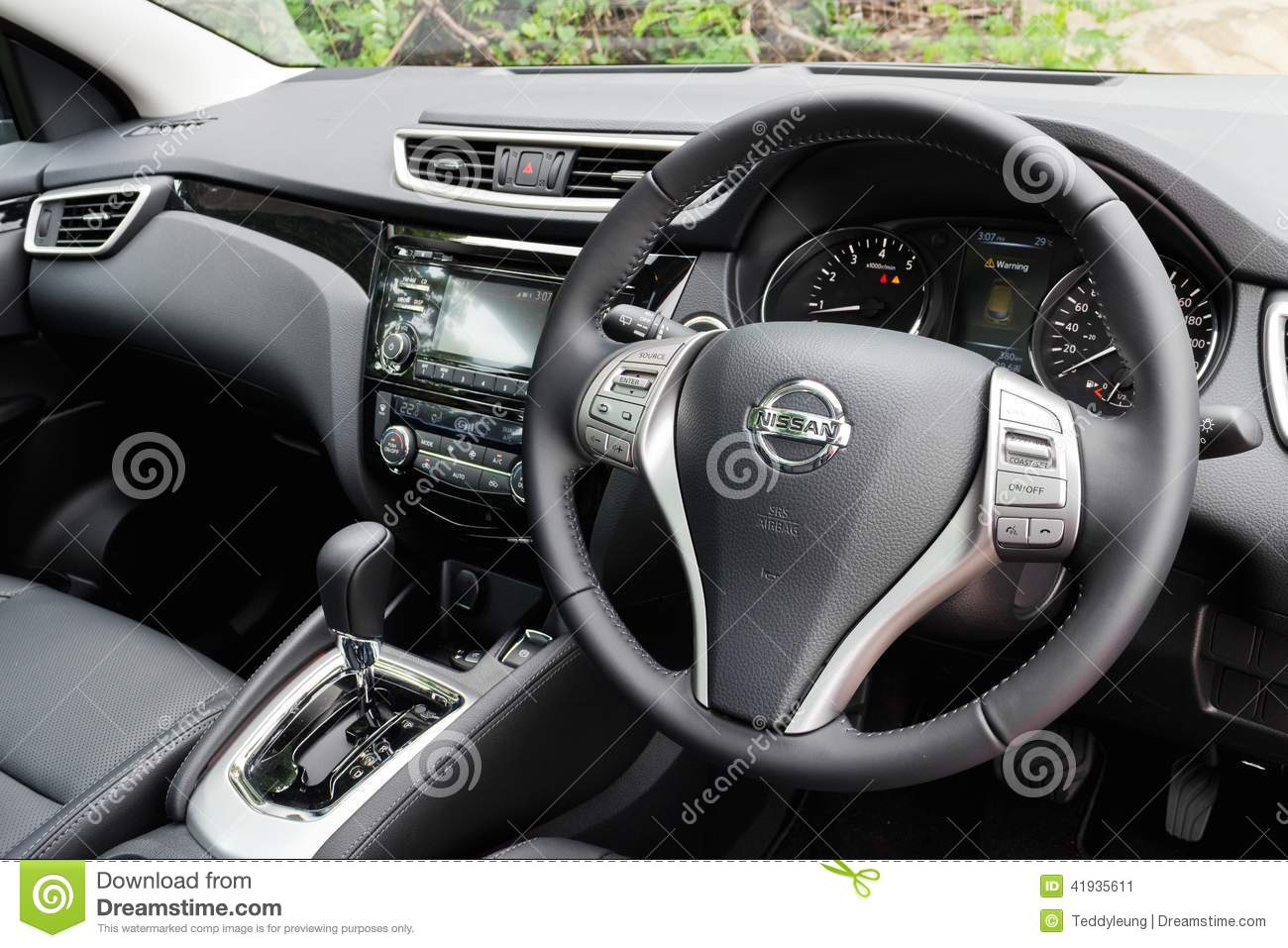 Nissan Qashqai 2016 Interieur Nissan Qashqai Interior 2014 Model Editorial Photo Image Of