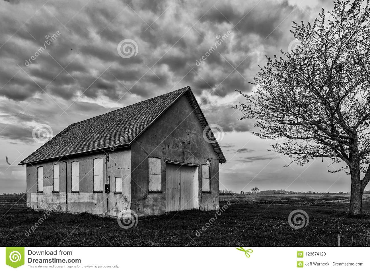 3 349 Old Black White Barn Photos Free Royalty Free Stock Photos From Dreamstime