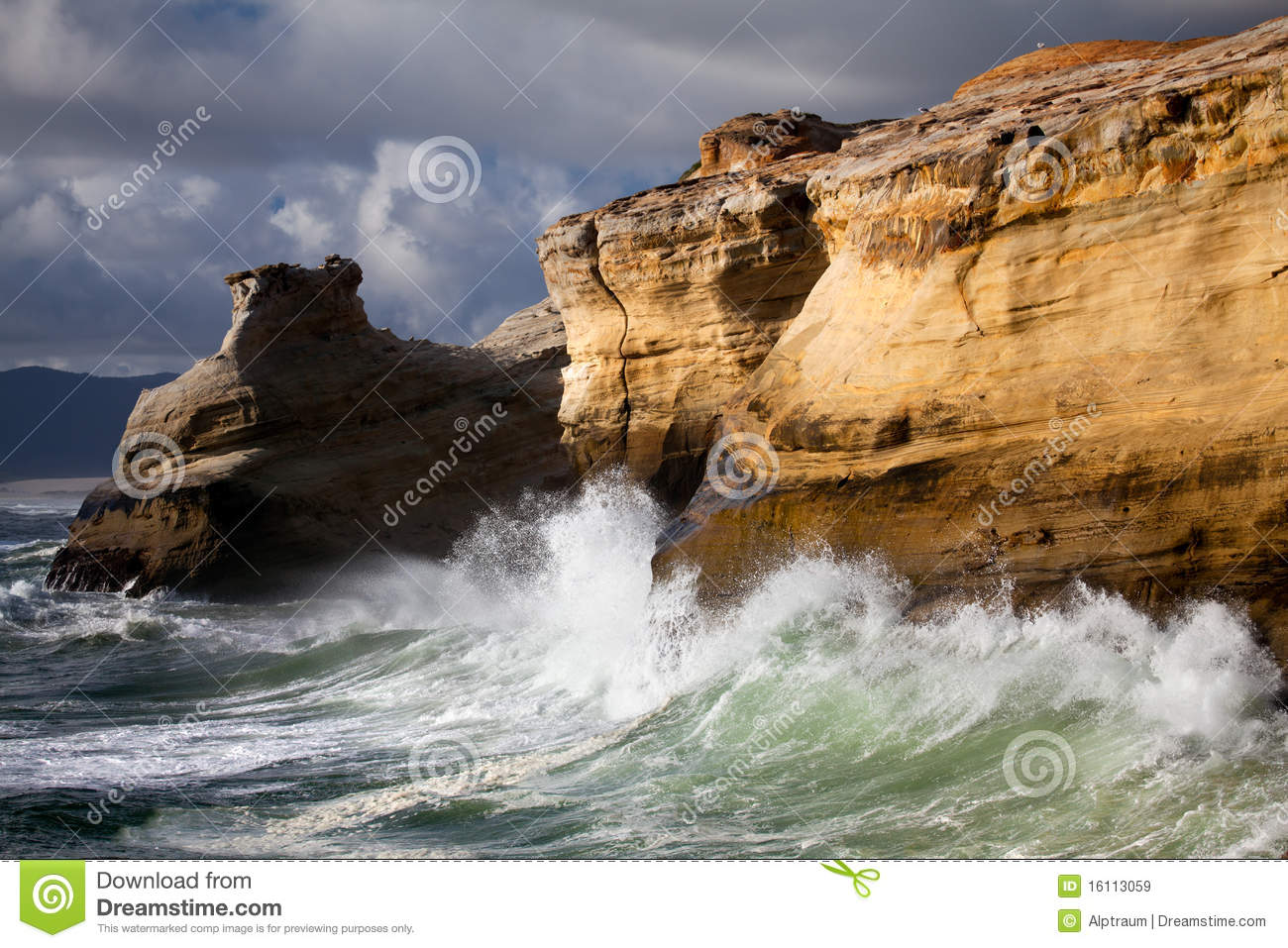 Free 3d Fall Wallpaper Oregon Coast Landscape With Rough Seas Royalty Free Stock