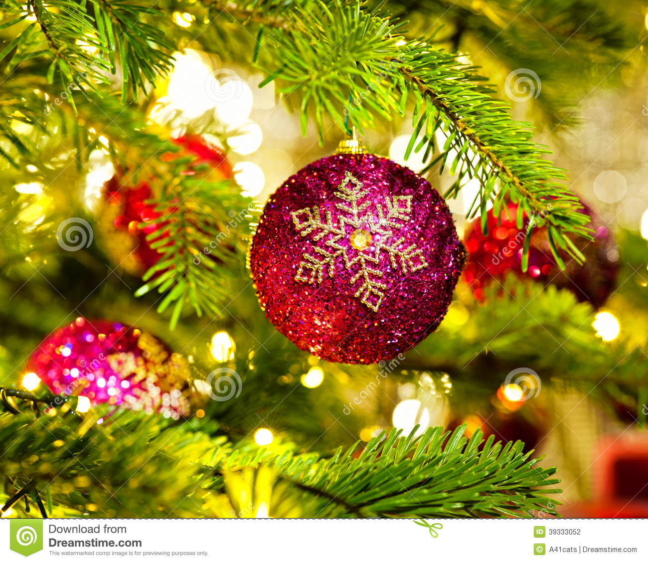 Arbre D'ornement Interieur Ornement Dans Un Arbre De Noël Photo Stock Image Du Ornements