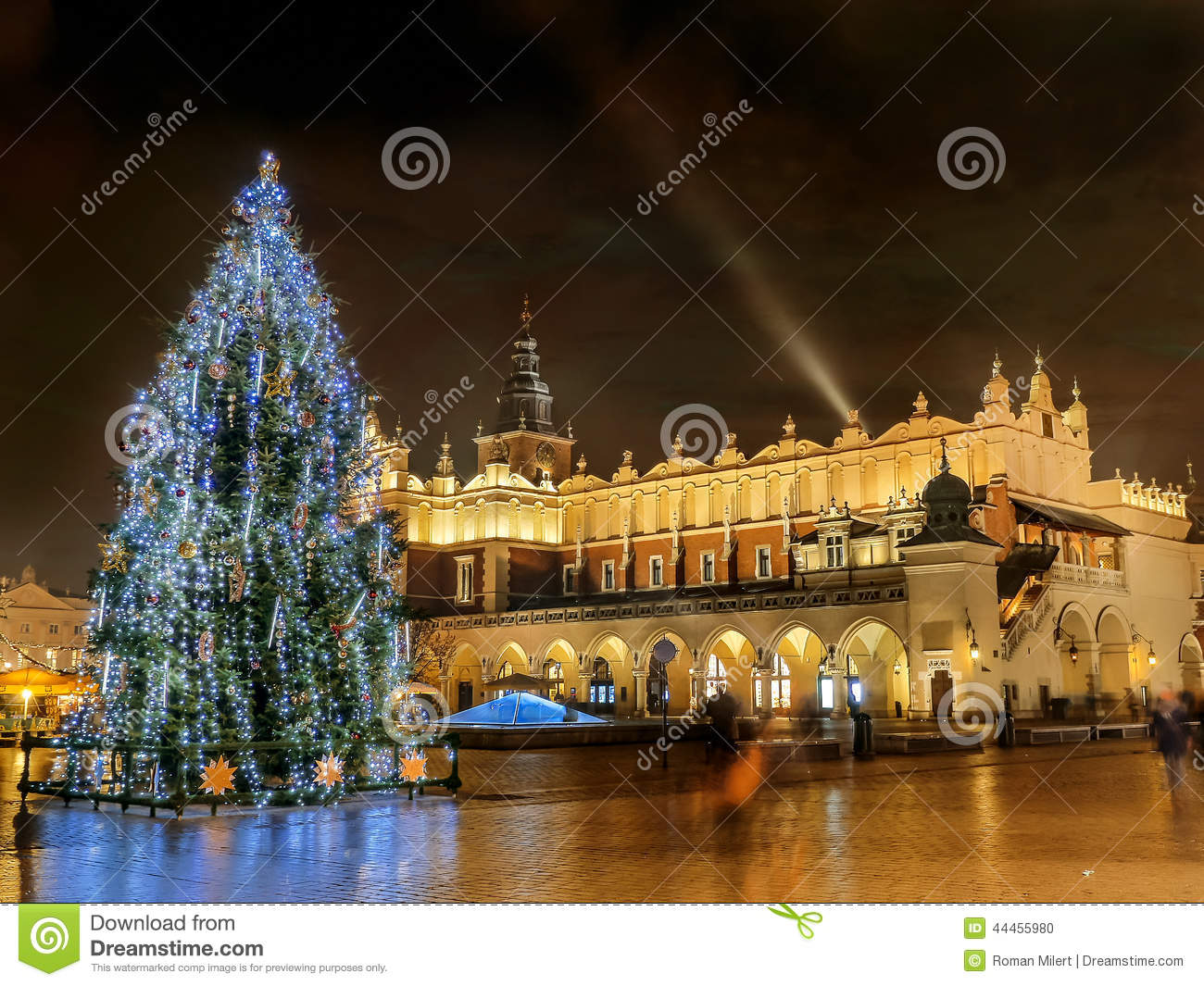 Projecteur Noel Exterieur Video Outdoor Christmas Tree Stock Photo Image Of Landmark
