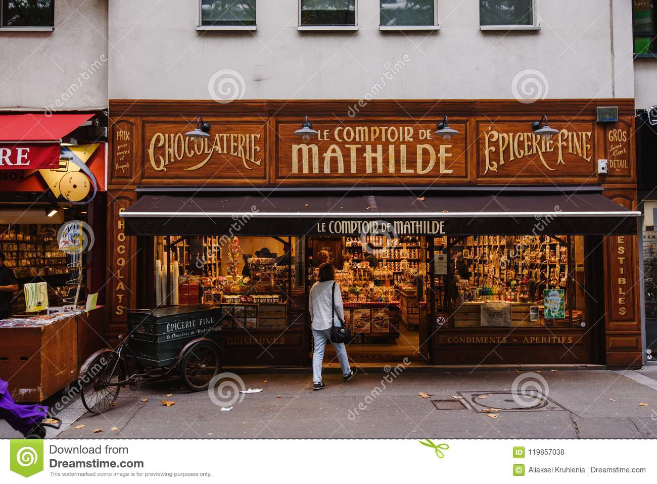 Comptoir De L Or Paris Parisian Confectionery And Chocolate Shop Editorial Stock Photo