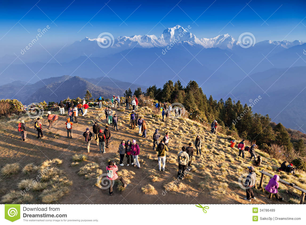 Himalaya Hamburg People Looking For Sunrise At Himalayas Editorial Stock Image
