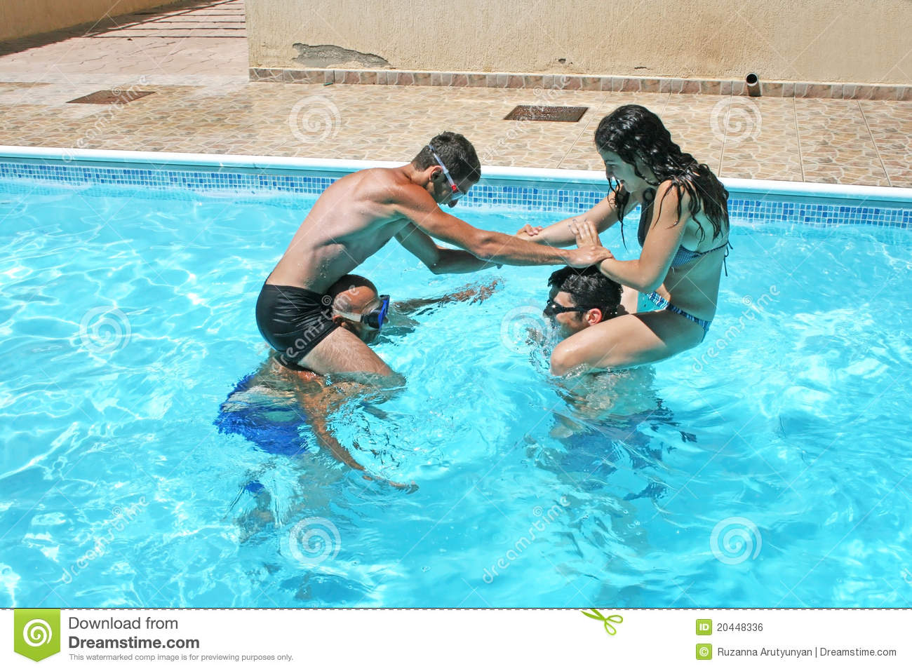 Piscina Hinchable 305 X 91 People In Swimming Pool Royalty Free Stock Image Image
