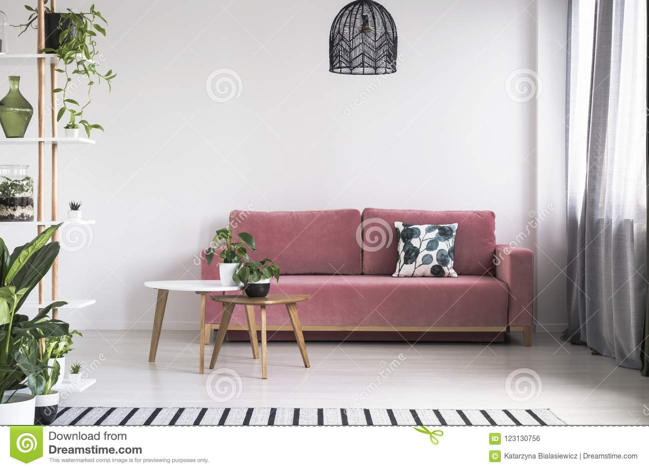 Wohnzimmer Industrial Petrol Bright Room Stock Images Download 149 013 Royalty Free Photos