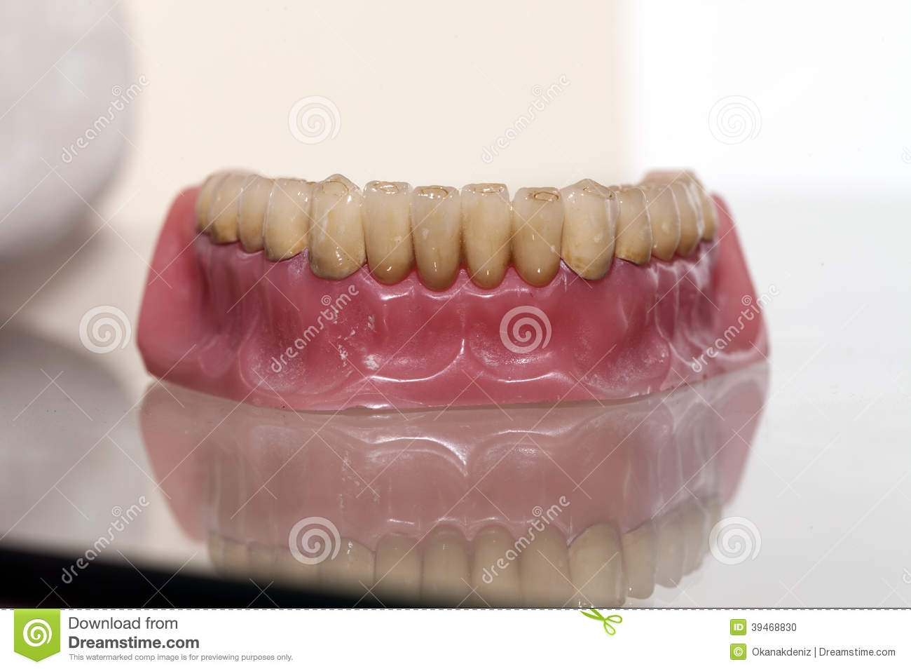 Dents En Porcelaine Plat De Dent De Porcelaine De Zirconium Photo Stock Image Du