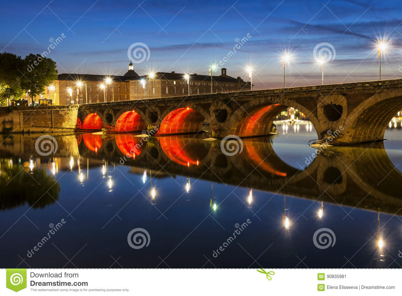Verlichting Pont Pont Neuf In Toulouse Stock Image Image Of Garonne European