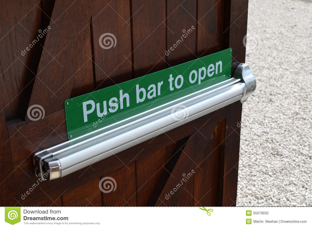 Push To Open Deur Push Bar To Open Sign Stock Photo Image Of Green Sign 55079032
