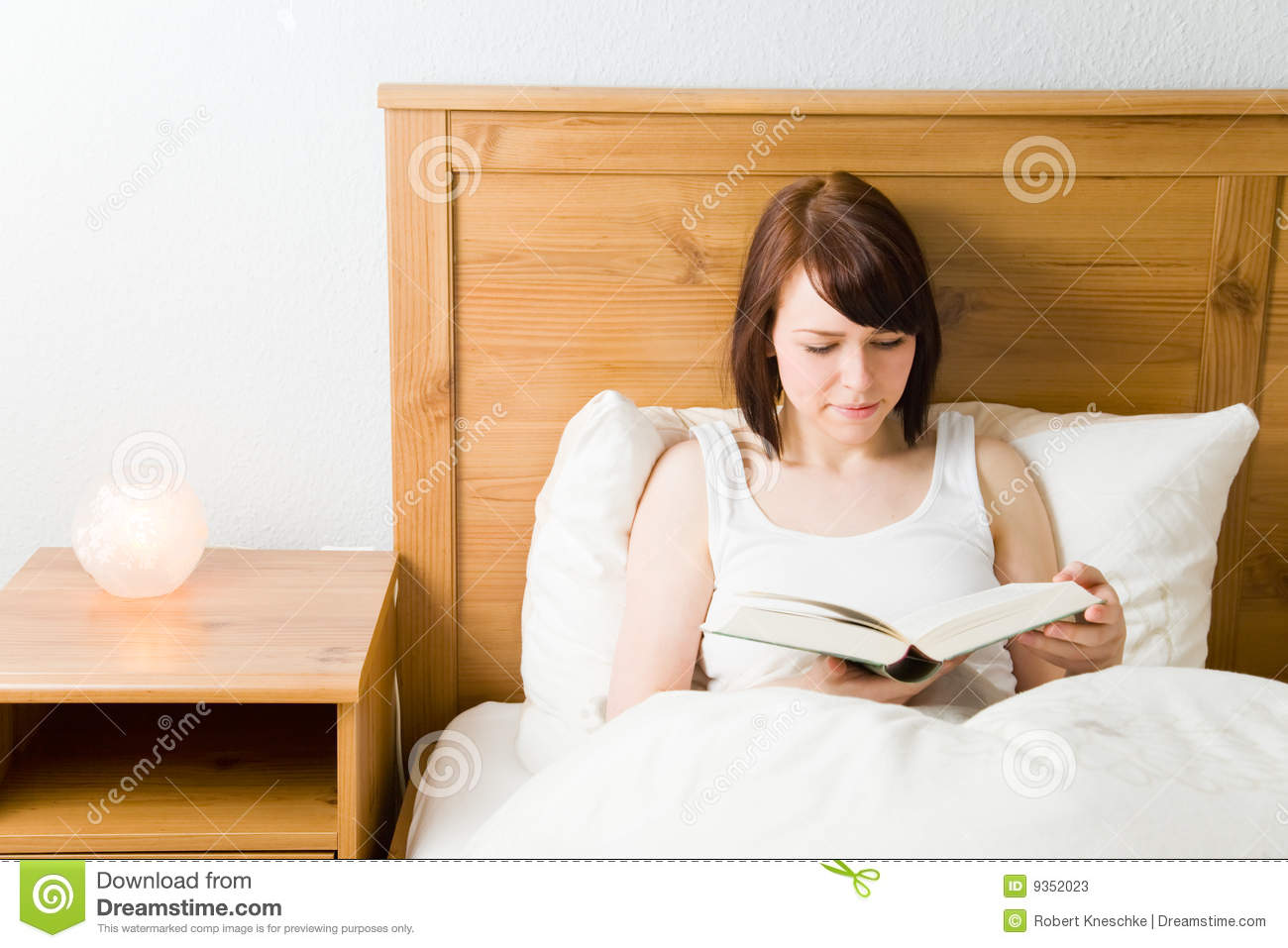 Reading In Bed Stock Photos Image 9352023
