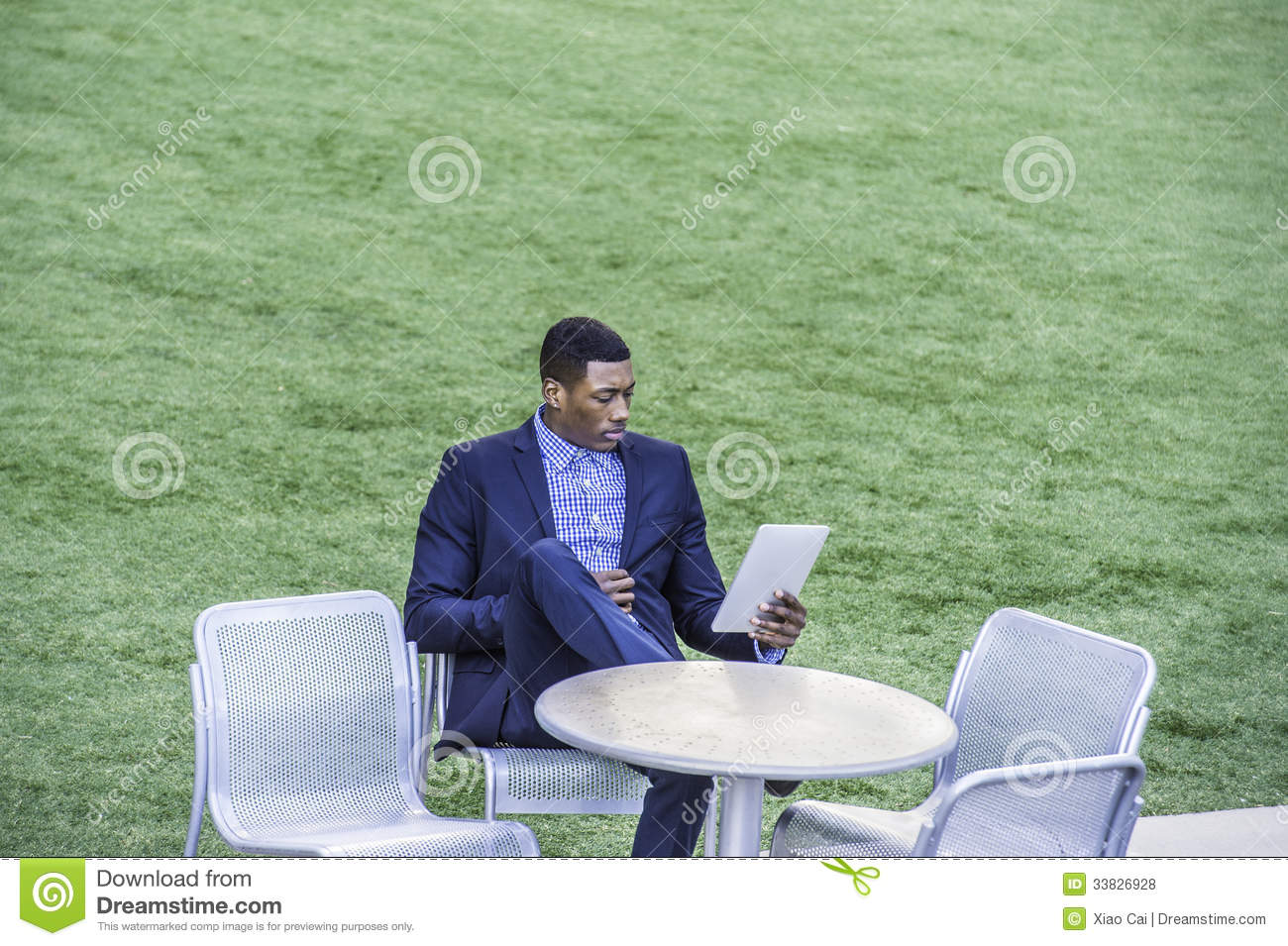 Outdoor Reading Chair Reading Outside Royalty Free Stock Photos Image 33826928